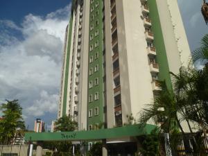 Apartamento En Ventaen Valencia, Los Mangos, Venezuela, VE RAH: 21-14866