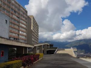 Apartamento En Ventaen Caracas, El Encantado, Venezuela, VE RAH: 21-14896