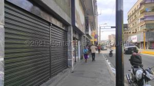 Local Comercial En Ventaen La Victoria, Avenida Loreto, Venezuela, VE RAH: 21-14899