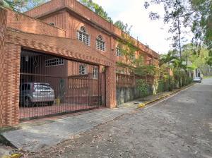Casa En Ventaen Municipio Los Salias, Mirador Panamericano, Venezuela, VE RAH: 21-14929