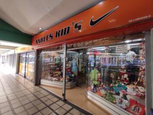 Local Comercial En Ventaen Maracay, Urbanizacion El Centro, Venezuela, VE RAH: 21-21337