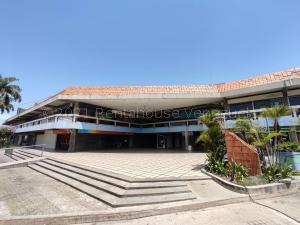 Local Comercial En Ventaen Maracay, Urbanizacion El Centro, Venezuela, VE RAH: 21-15958