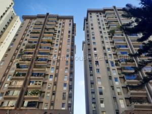 Apartamento En Ventaen Caracas, El Cigarral, Venezuela, VE RAH: 21-15042