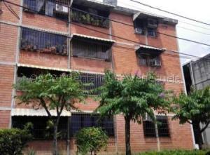 Apartamento En Alquileren Guatire, El Marques, Venezuela, VE RAH: 21-15028