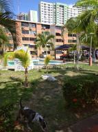 Apartamento En Ventaen Parroquia Caraballeda, La Llanada, Venezuela, VE RAH: 21-15061