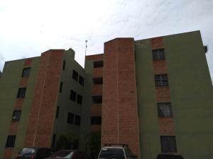 Apartamento En Ventaen Municipio Los Guayos, Paraparal, Venezuela, VE RAH: 21-15077