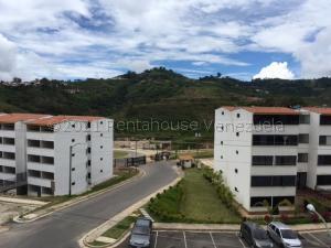 Apartamento En Ventaen Los Teques, El Solar De La Quinta, Venezuela, VE RAH: 21-15121