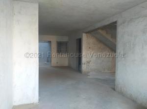 Casa En Ventaen Coro, Sector Independencia, Venezuela, VE RAH: 21-15076