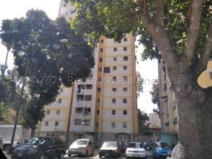 Apartamento En Ventaen Caracas, Caricuao, Venezuela, VE RAH: 21-15098