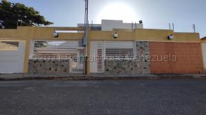 Terreno En Ventaen Municipio San Diego, Las Morochas I, Venezuela, VE RAH: 21-15125