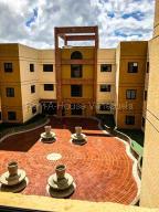 Apartamento En Ventaen San Antonio De Los Altos, Las Mesetas, Venezuela, VE RAH: 21-15156