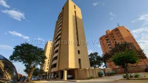 Apartamento En Ventaen Maracaibo, Avenida El Milagro, Venezuela, VE RAH: 21-15673
