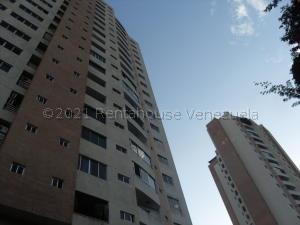 Apartamento En Ventaen Valencia, Valles De Camoruco, Venezuela, VE RAH: 21-501