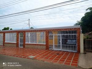 Casa En Ventaen Maracaibo, La Rotaria, Venezuela, VE RAH: 21-15248