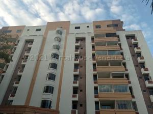Apartamento En Ventaen Valencia, Campo Alegre, Venezuela, VE RAH: 21-15271