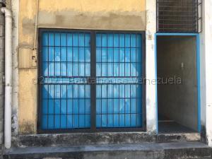 Local Comercial En Alquileren Cabudare, La Mata, Venezuela, VE RAH: 21-15297