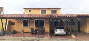 Casa En Ventaen Cabudare, Parroquia José Gregorio, Venezuela, VE RAH: 21-15691