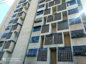 Apartamento En Ventaen Caracas, Parroquia Altagracia, Venezuela, VE RAH: 21-15360