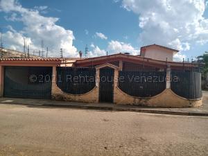 Casa En Ventaen Municipio Libertador, El Molino, Venezuela, VE RAH: 21-15373