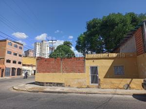 Terreno En Ventaen Maracay, Zona Centro, Venezuela, VE RAH: 21-15432