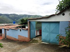 Casa En Ventaen Los Teques, Los Teques, Venezuela, VE RAH: 21-15444