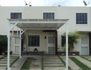 Casa En Ventaen Barquisimeto, Terrazas De La Ensenada, Venezuela, VE RAH: 21-16056
