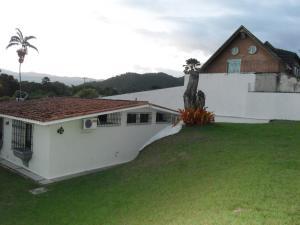 Casa En Ventaen Valencia, Guataparo Country Club, Venezuela, VE RAH: 21-15465