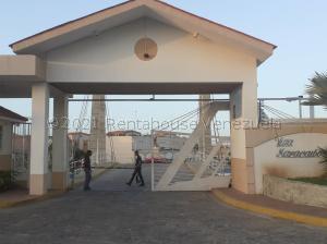 Townhouse En Ventaen Maracaibo, Circunvalacion Dos, Venezuela, VE RAH: 21-16022