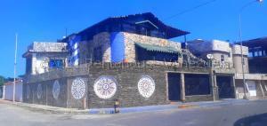 Casa En Ventaen Puerto Cabello, Cumboto, Venezuela, VE RAH: 21-15506