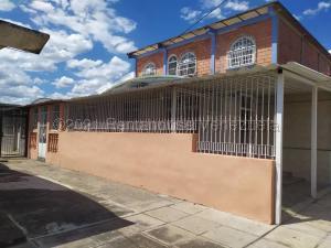 Casa En Ventaen Valencia, San Blas, Venezuela, VE RAH: 21-15537