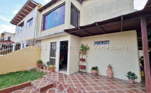 Casa En Ventaen El Tigre, Sector Avenida Intercomunal, Venezuela, VE RAH: 21-15552