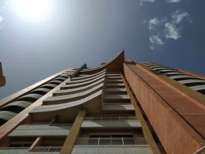 Apartamento En Ventaen Valencia, La Trigaleña, Venezuela, VE RAH: 21-15564