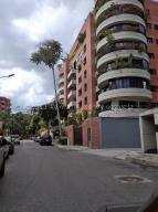Apartamento En Alquileren Caracas, Campo Alegre, Venezuela, VE RAH: 21-15588