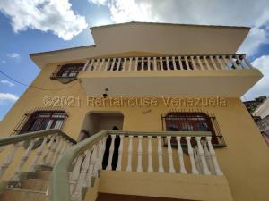 Casa En Ventaen Barquisimeto, Parroquia Santa Rosa, Venezuela, VE RAH: 21-15646