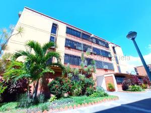 Apartamento En Ventaen Maracay, Guaicamacuto, Venezuela, VE RAH: 21-15641