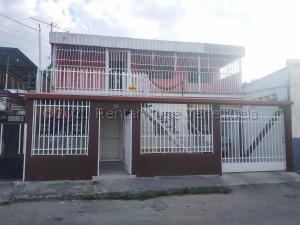 Casa En Ventaen Turmero, Zona Centro, Venezuela, VE RAH: 21-15708