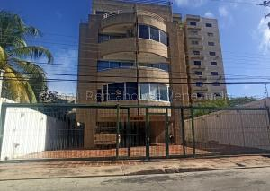 Apartamento En Ventaen Margarita, Avenida 4 De Mayo, Venezuela, VE RAH: 21-15909