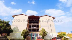 Apartamento En Ventaen Maracay, Madre Maria, Venezuela, VE RAH: 21-15773