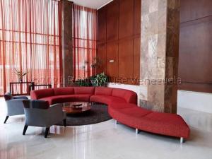 Apartamento En Alquileren Maracaibo, Avenida El Milagro, Venezuela, VE RAH: 21-15927