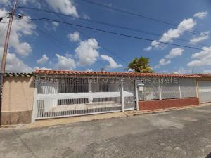 Casa En Ventaen Cabudare, Santa Cecilia, Venezuela, VE RAH: 21-15815