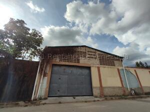 Local Comercial En Alquileren Maracay, El Limon, Venezuela, VE RAH: 21-15845