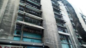 Apartamento En Ventaen Caracas, El Recreo, Venezuela, VE RAH: 21-15858