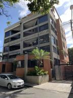 Apartamento En Ventaen Caracas, Santa Eduvigis, Venezuela, VE RAH: 21-15859