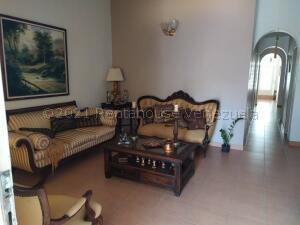 Casa En Ventaen Guatire, El Ingenio, Venezuela, VE RAH: 21-15881