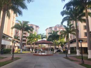 Apartamento En Ventaen Barquisimeto, El Ujano, Venezuela, VE RAH: 21-15899