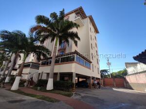 Apartamento En Ventaen Barquisimeto, Parroquia Santa Rosa, Venezuela, VE RAH: 21-15897