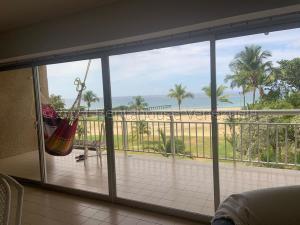 Apartamento En Ventaen Parroquia Naiguata, Camuri Grande, Venezuela, VE RAH: 21-15912