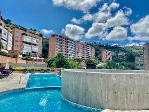 Apartamento En Alquileren Caracas, Solar Del Hatillo, Venezuela, VE RAH: 21-15939