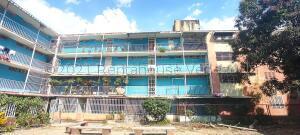 Apartamento En Ventaen Maracay, Caña De Azucar, Venezuela, VE RAH: 21-15936