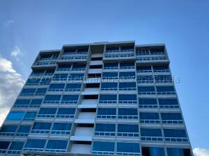 Apartamento En Ventaen Catia La Mar, Playa Grande, Venezuela, VE RAH: 22-778